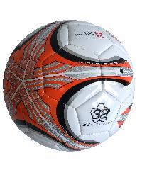 4TEM ลูกฟุตบอลหนังเย็บ PVC เบอร์ 5 ขนาด  Φ21.5 ซม.สีส้ม-ขาว แถมเข็มก๊าซ  FT-112