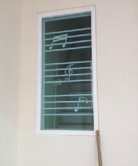 RKT ช่องแสงบานปิดตายกระจก 2 ชั้น  พร้อมเหล็กดัด ขนาด130*120 cm สีขาว