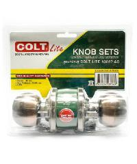 COLT ลูกบิดประตู COLT LITE #3027 AC รุ่นแผง (ร่องกุญแจเป็นร่อง YALE) ลูกบิดประตู COLT LITE #3027 AC รุ่นแผง (ร่องกุญแจเป็นร่อง YALE) สีน้ำตาลอ่อน