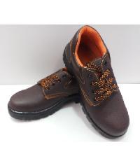 Protx รองเท้าเซฟตี้ พื้นเหล็ก เบอร์ 41 PT102 สีน้ำตาล