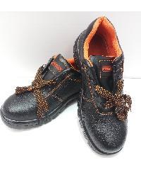 Protx รองเท้าเซฟตี้ พื้นเหล็ก เบอร์ 43 PW106  สีดำ